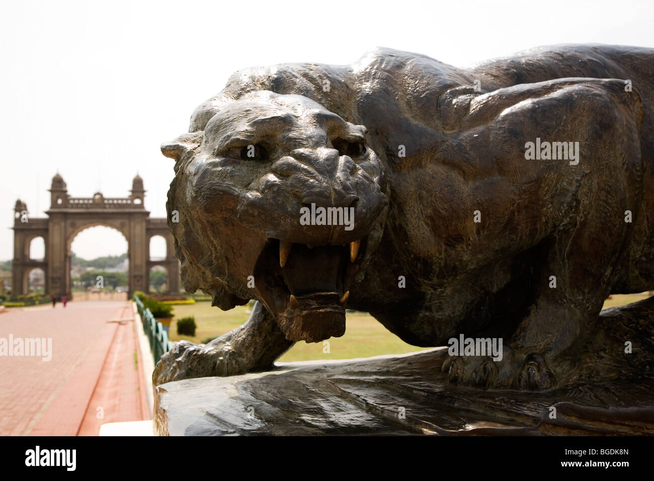 A tiger statue stands in the grounds of Mysore's Amba Vilas Palace, India. - Stock Image