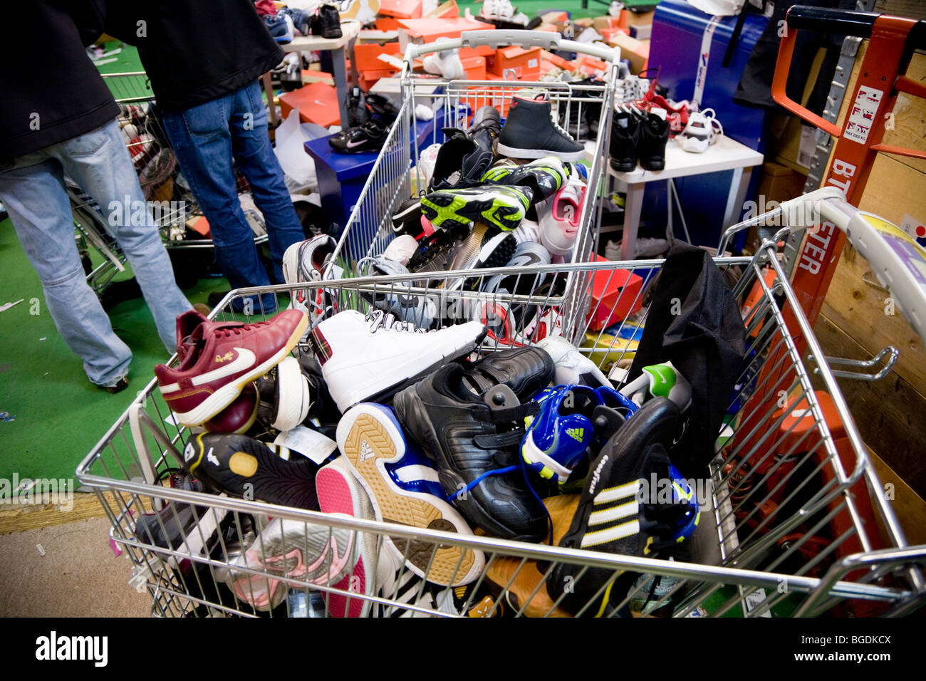 Stock Shoes Sports Sale For Photosamp; 8mNwvn0O