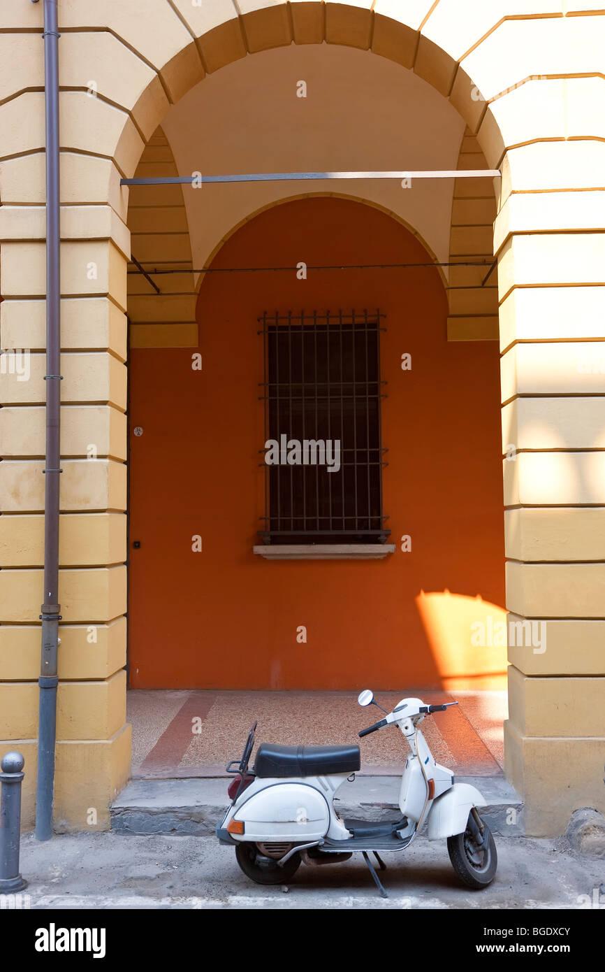 Vespa scooter, Bologna, Emilia Romagna, Italy - Stock Image