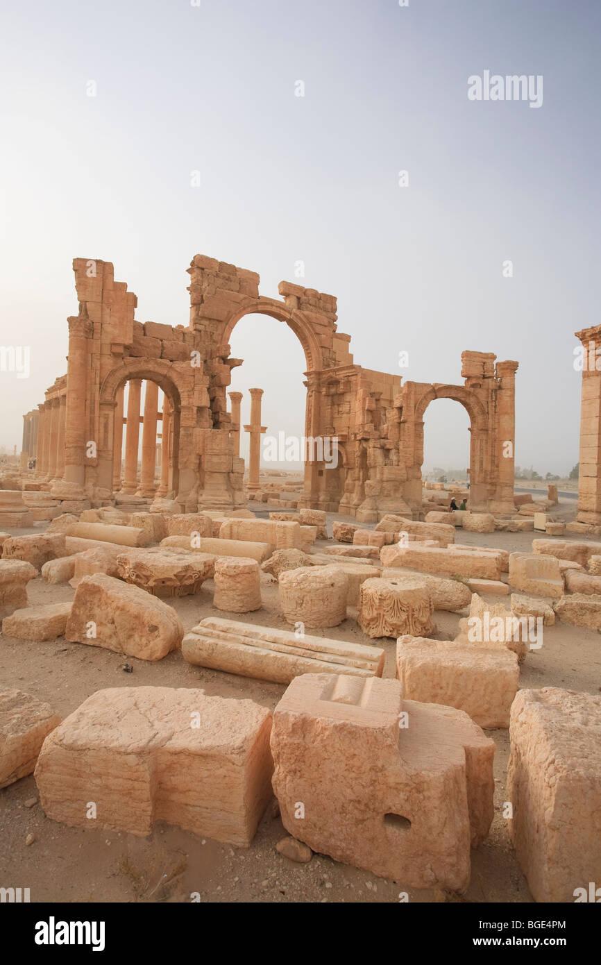 Syria, Palmyra ruins (UNESCO Site), Monumental Arch - Stock Image