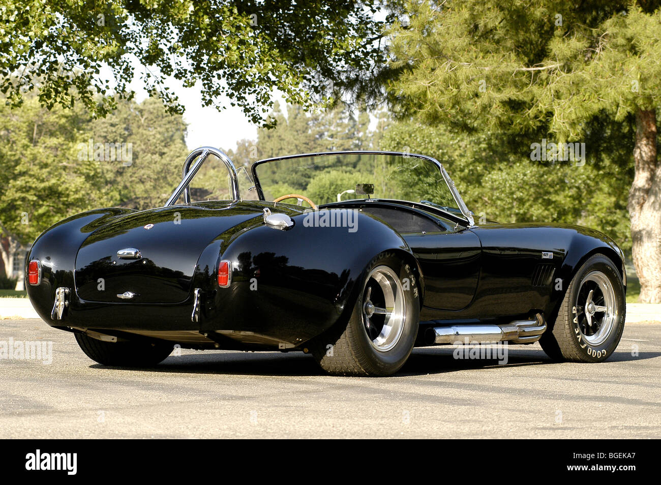 1967 Shelby cobra 427 in black this is a real Shelby car