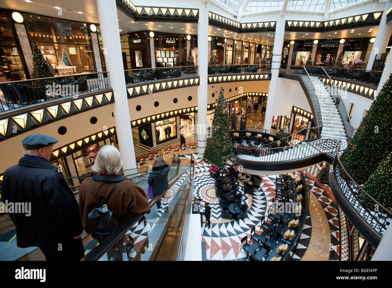 Interior view of beautiful elegant atrium inside Quartier 206 upmarket shopping mall on Friedrichstrasse in Mitte - Stock Image