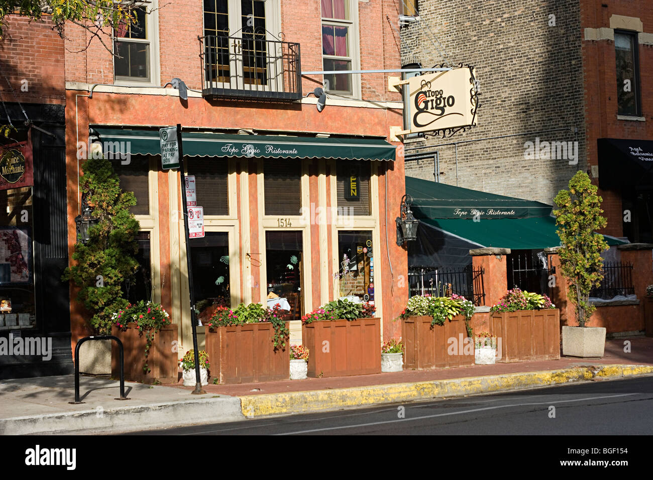 Topo Gigio Ristorante on N. Wells Street in Old Town triangle Chicago - Stock Image