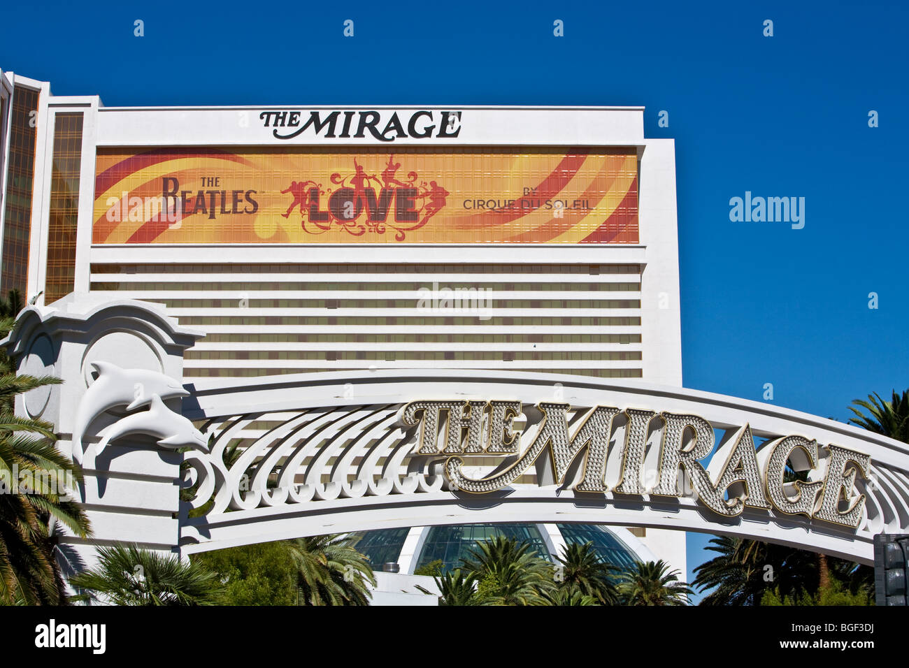Mirage Hotel With Entrance Sign Las Vegas Strip Stock Photo