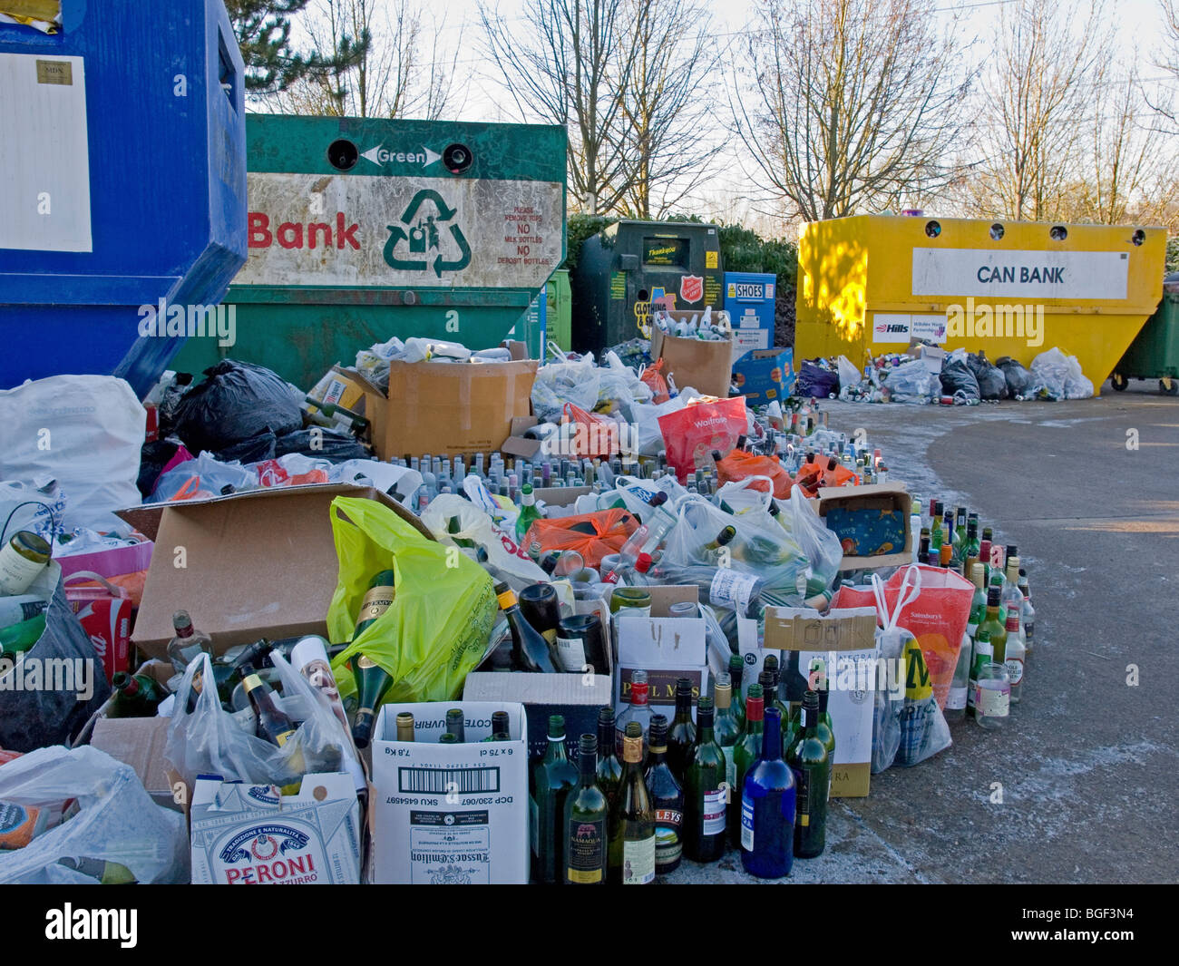 empty bottles at recycling centre - Stock Image