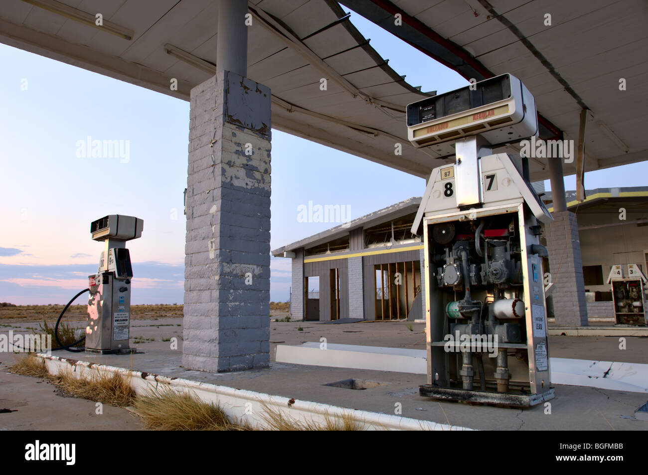 Abandoned Gas Station At Two Guns Arizona A Ghost Town On Historic Stock Photo Alamy