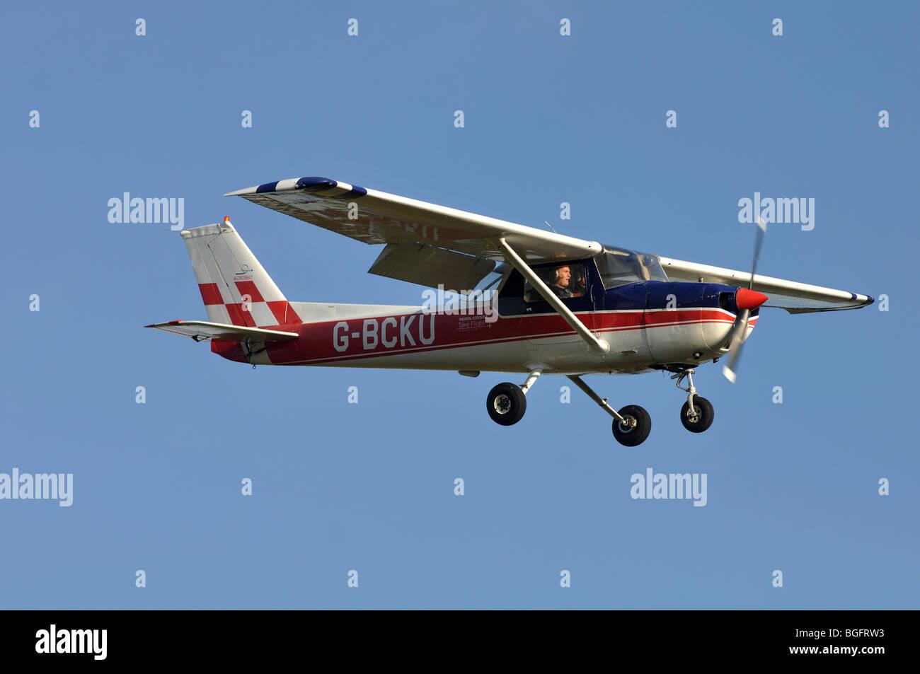 Reims Cessna FRA 150L aircraft approaching Wellesbourne Airfield, Warwickshire, UK - Stock Image