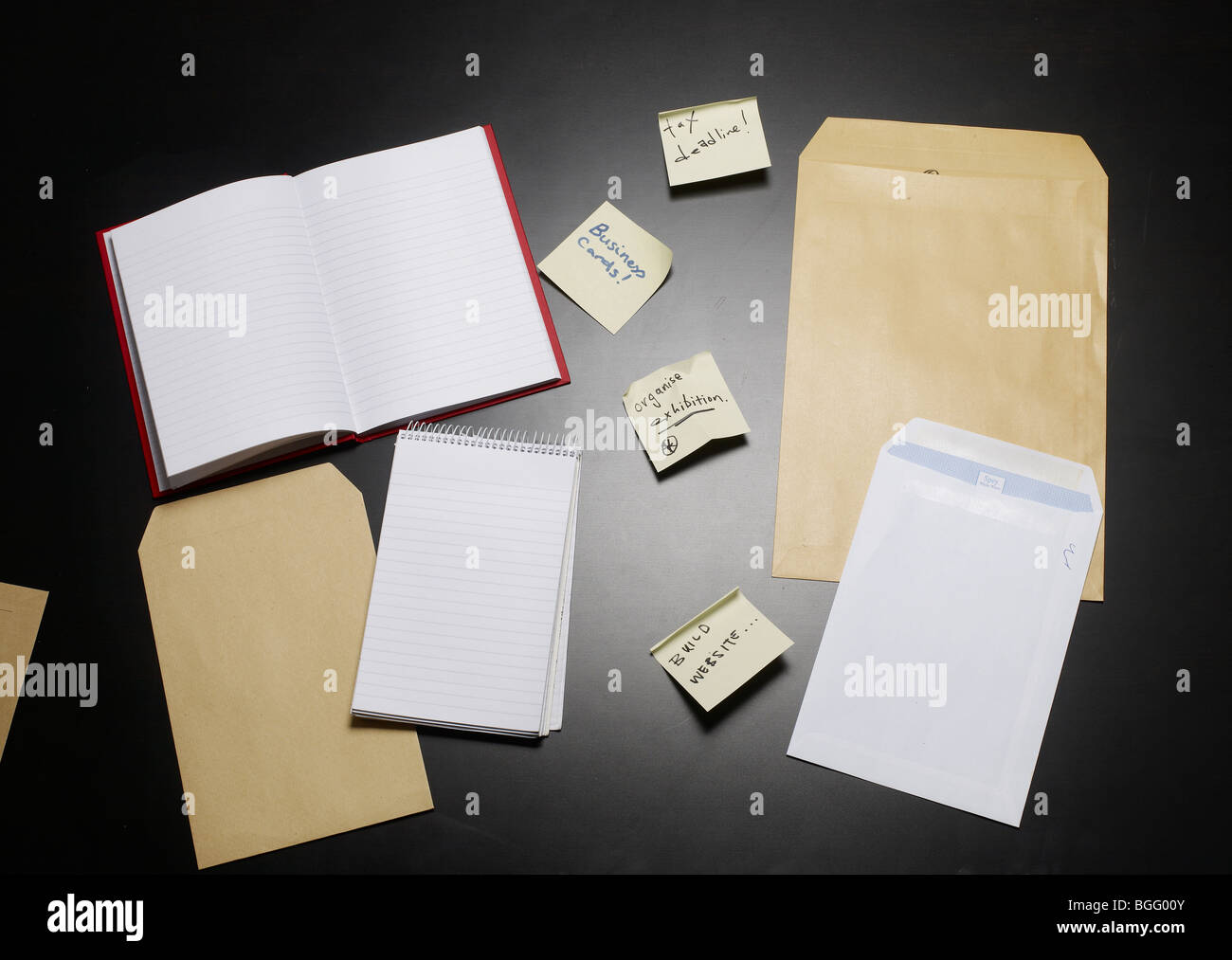 post it notes and stationary - Stock Image