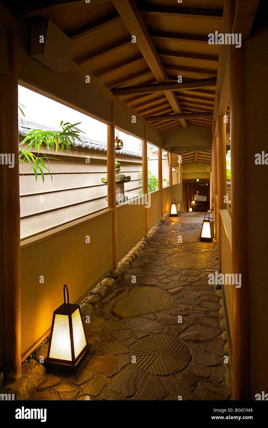 Gion Hatanaka. Japanese ryokan. Corridor. A traditional style guest house. Kyoto, Japan - Stock Image