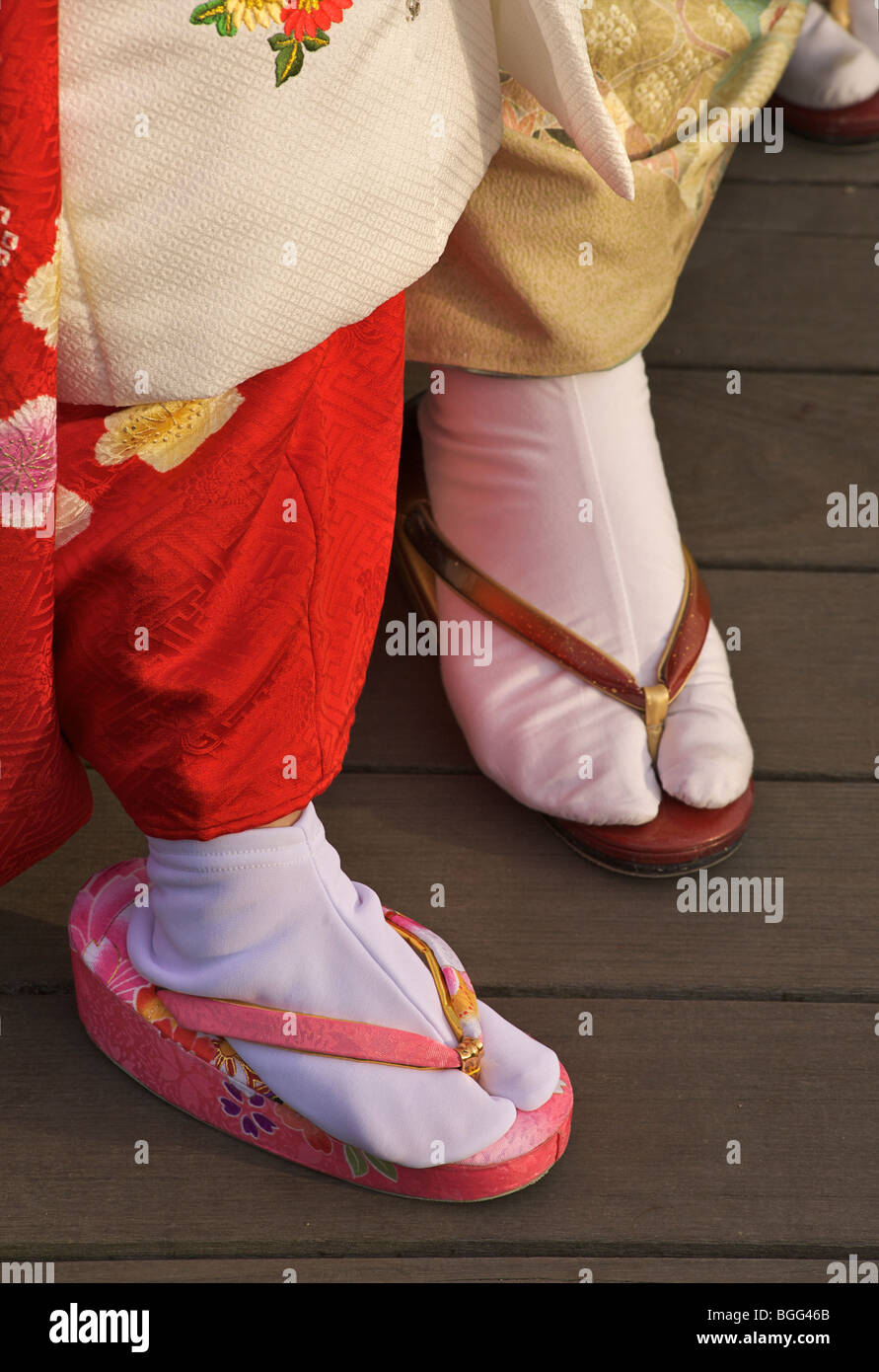 Traditional Japanese footwear. Mother and daughter side by side. Nara prefecture, Japan - Stock Image
