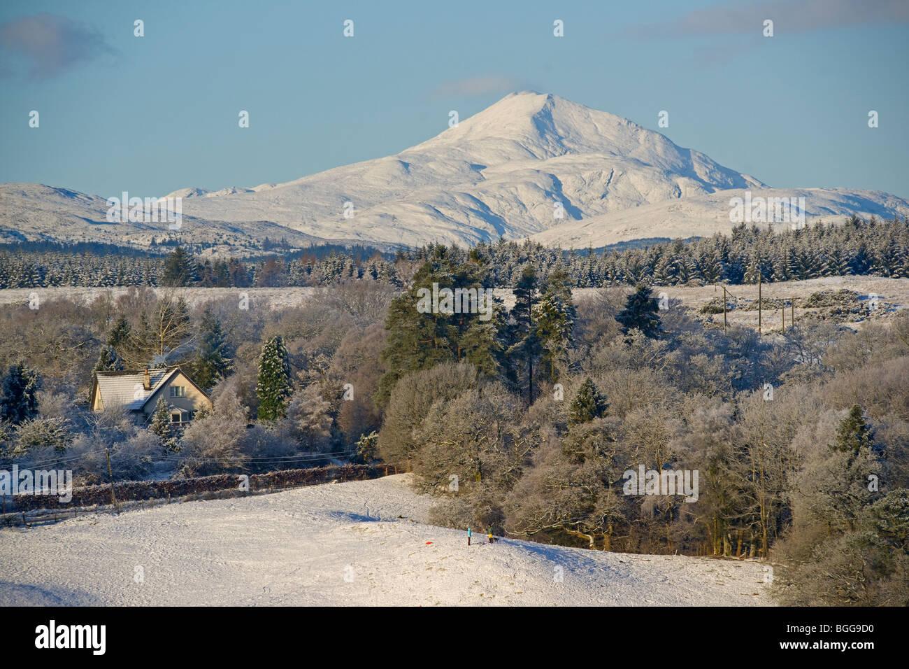 Sledging, Snow on Ben Lomond, from near Buchlyvie, December 2009 - Stock Image