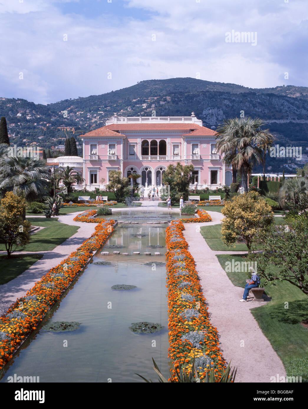 Villa and gardens, Villa Ephrussi de Rothschild, Saint-Jean-Cap-Ferrat, Provence-Alpes-Côte d'Azur, Alpes - Stock Image