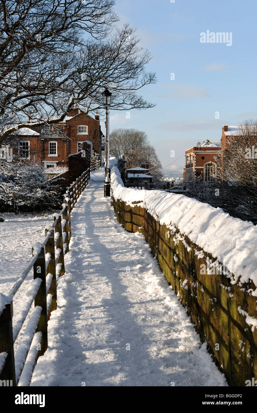 Chester walls in snow January 2010 - Stock Image