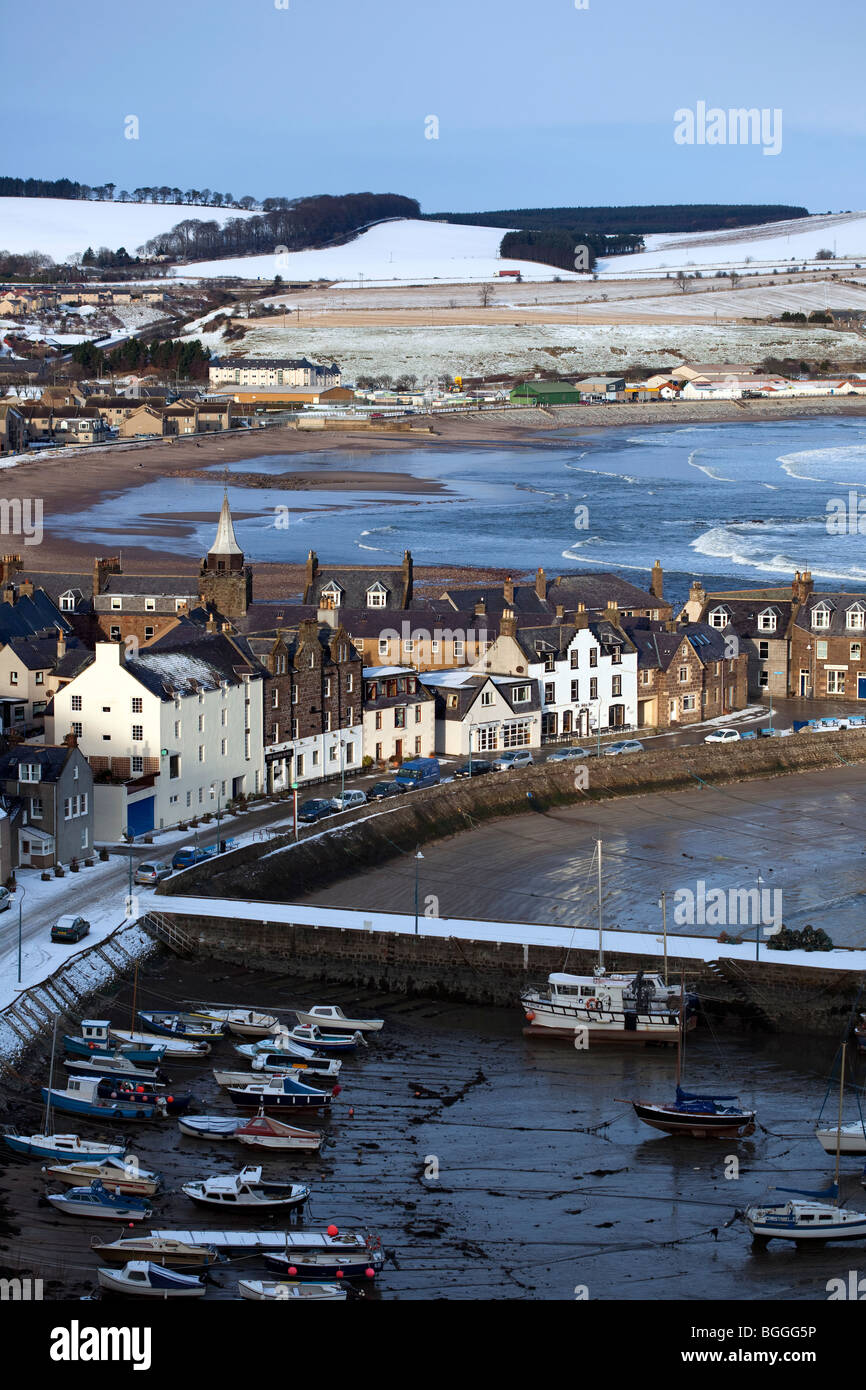 The Scottish town seaside town: north-east coastal seafront buildings of Stonehaven bay, with natural harbour moorings, - Stock Image