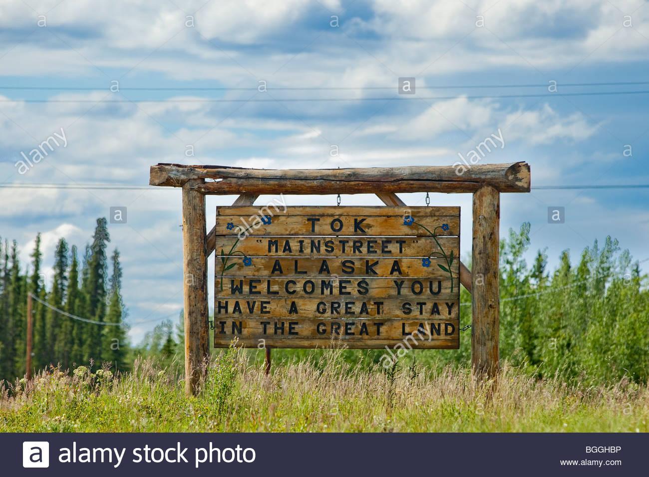 Alaska, Tok. Welcome to Tok sign. Summer. - Stock Image