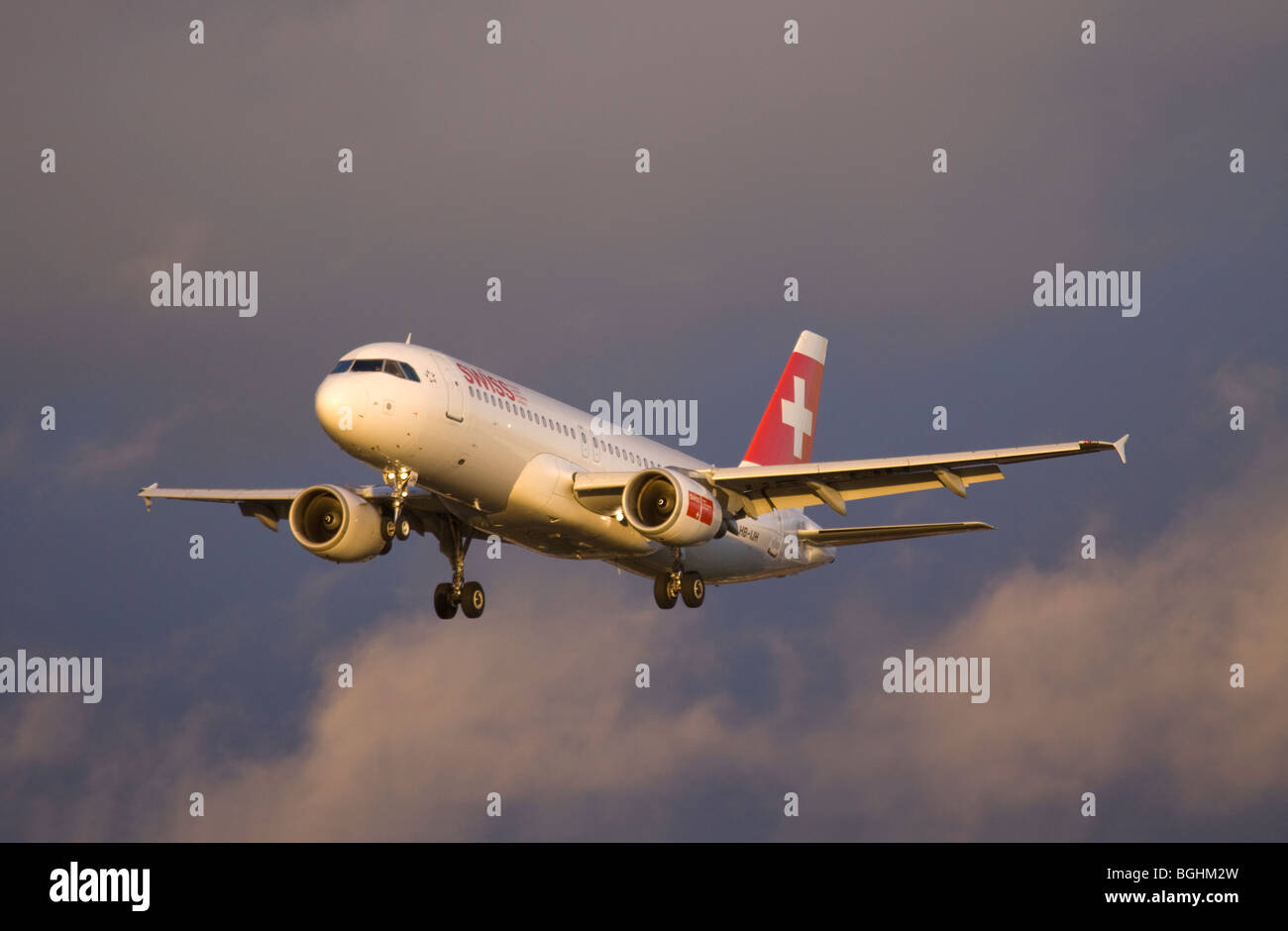 HB-IJH Swiss International Airlines Airbus A320-214 landing at London Heathrow - Stock Image