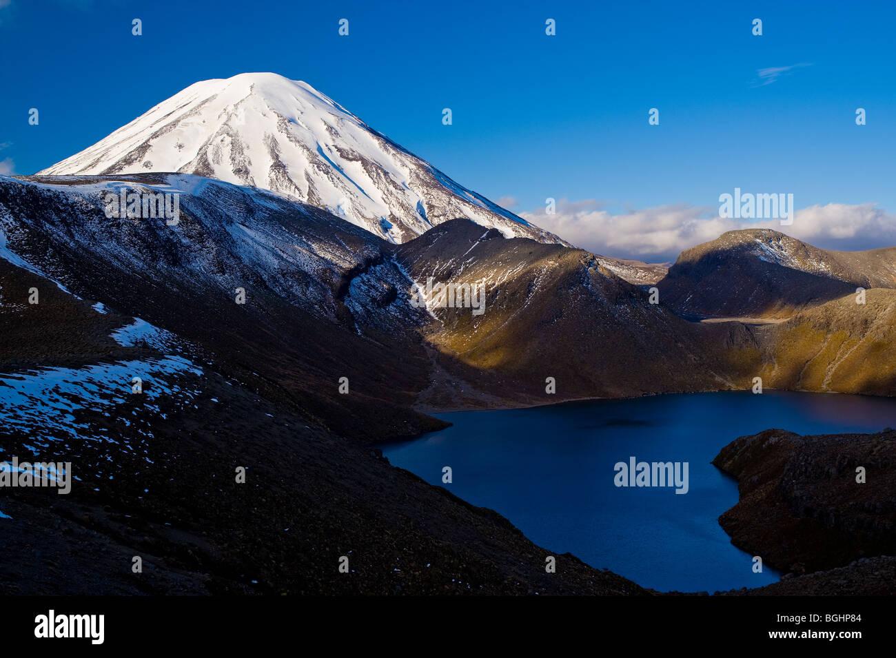 Mount Ngauruhoe & Upper Tama Lake, Tongariro National Park, North Island, New Zealand - Stock Image