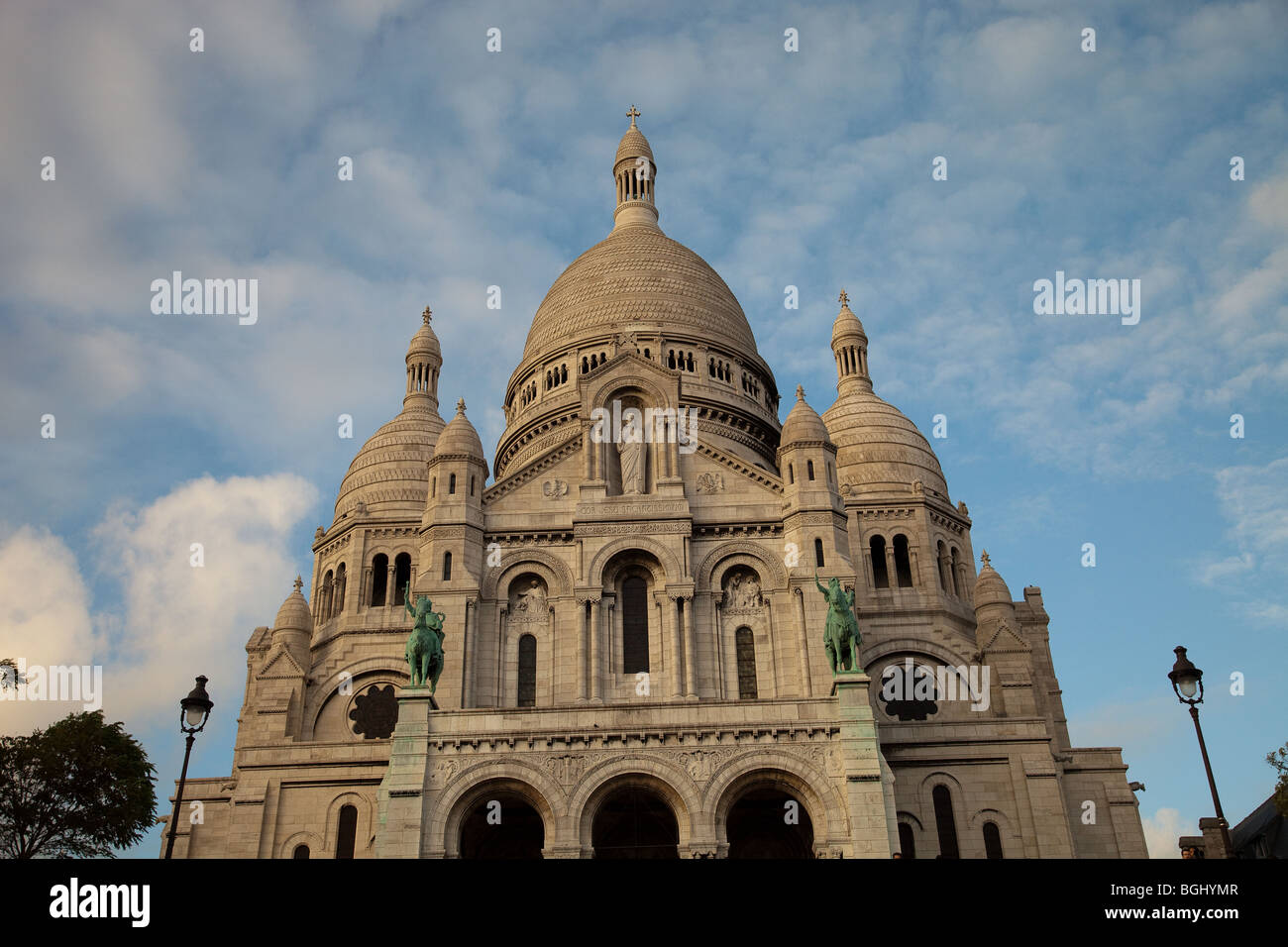 Sacré-Cœur Basilica - Basilica of the Sacred Heart of Jesus of Paris - Stock Image