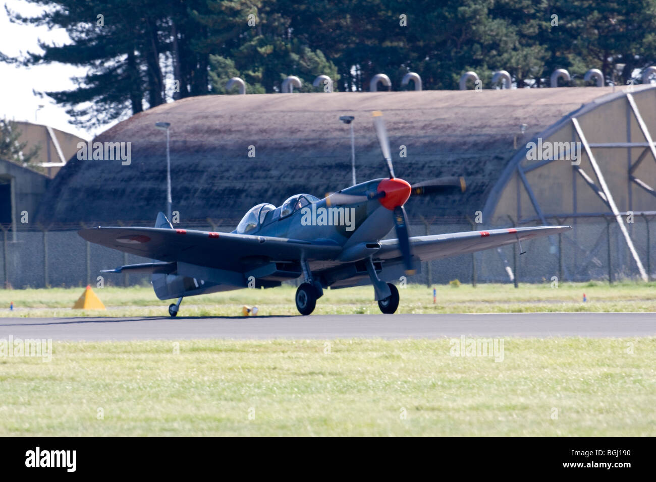 IAC161- Spitfire Tr.9 at RAF Leuchars Airshow 2009, Fife, Scotland - Stock Image