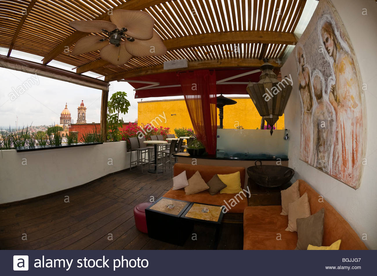 Rooftop bar of the Pueblo VIeja Restaurant, San Miguel de Allende, Mexico - Stock Image