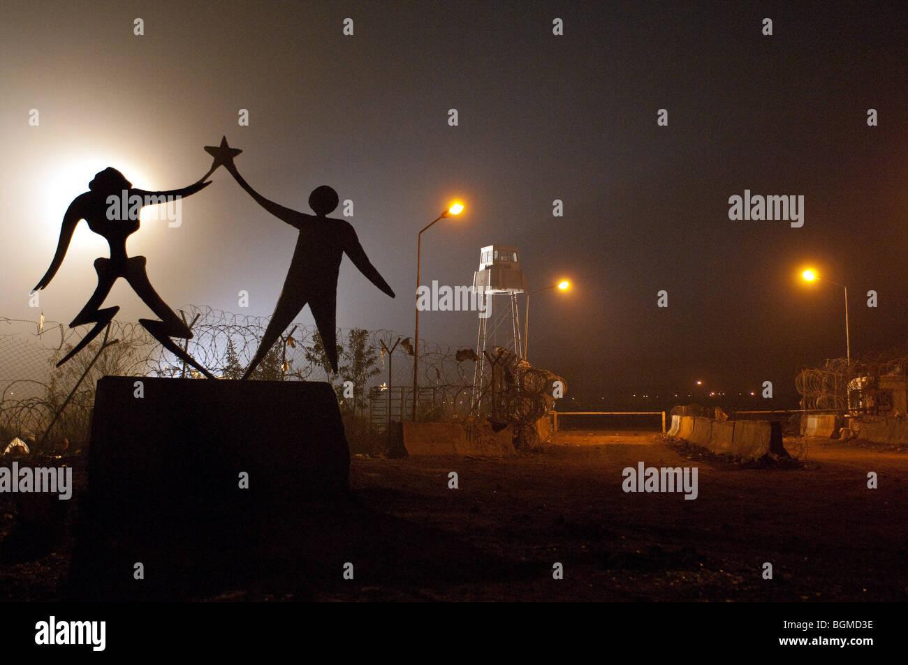District 9 Year : 2009 Director : Neill Blomkamp - Stock Image