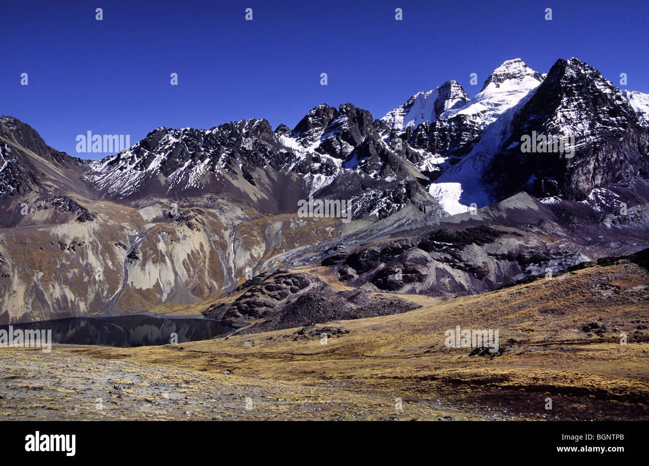 Condoriri mountains and lake Charkothia. Cordillera Real, Bolivia. - Stock Image
