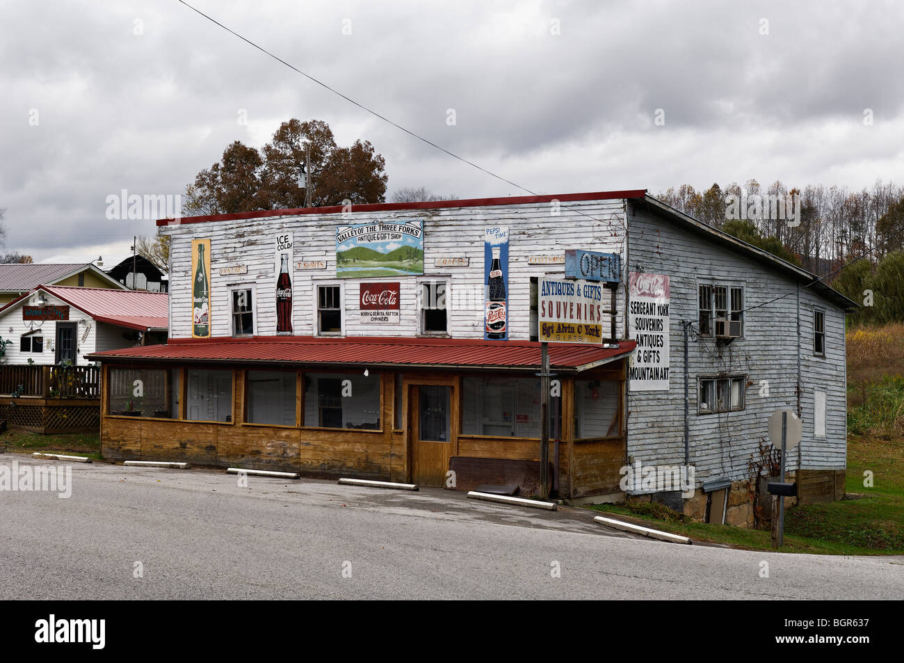 Valley of the Three Forks Antique and Gift Shop in Pall Mall, Tennessee - Stock Image