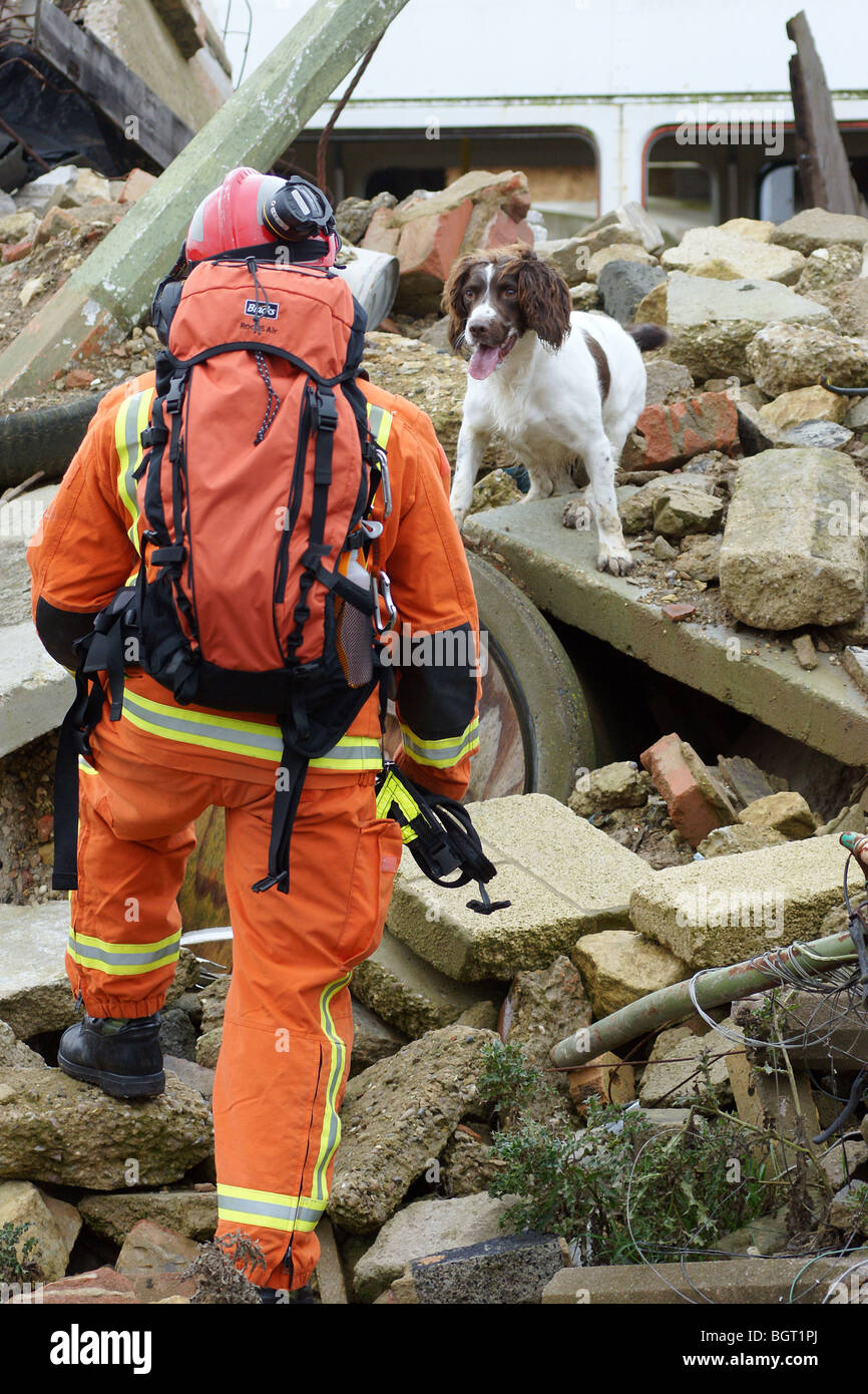 earthquake  Search and rescue team - Stock Image