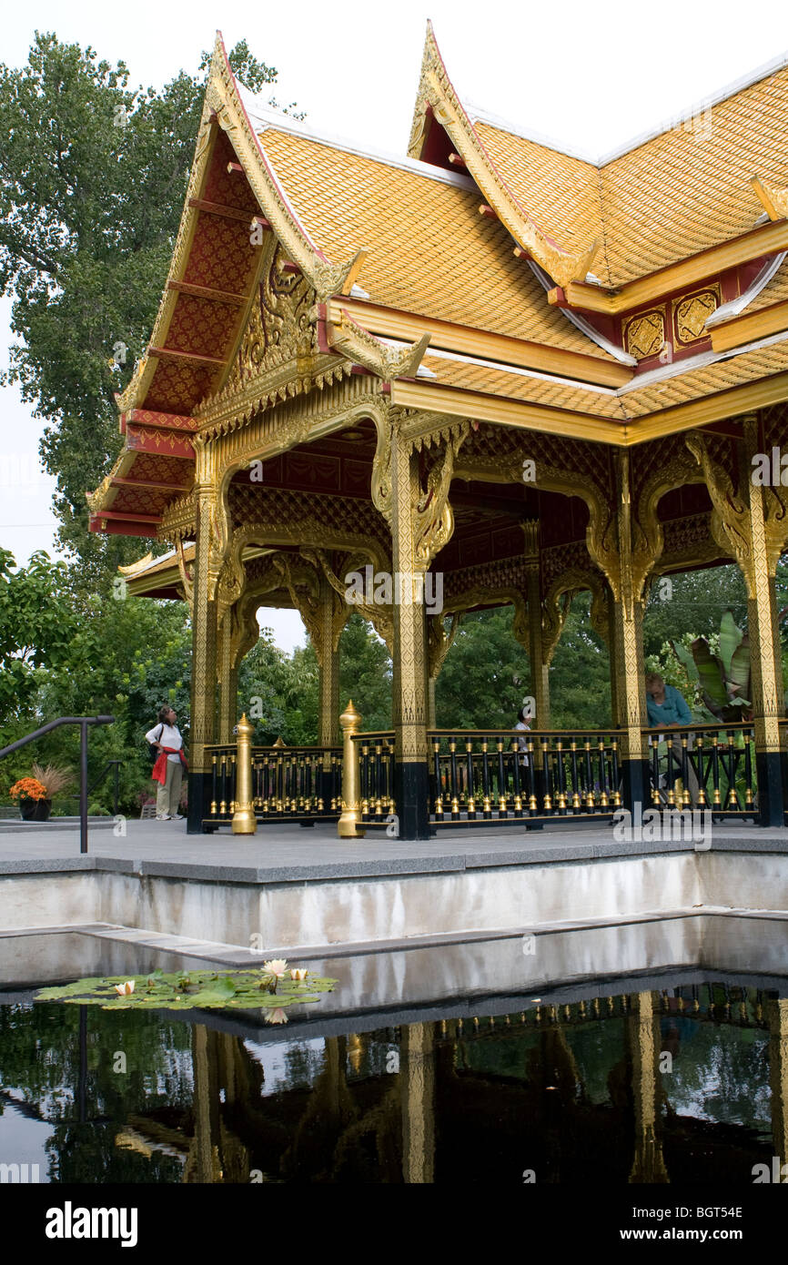 Fall Comes To Garden Of Thai Pavilion >> Thai Pavilion And Garden Olbrich Botanical Botanical Gardens Stock