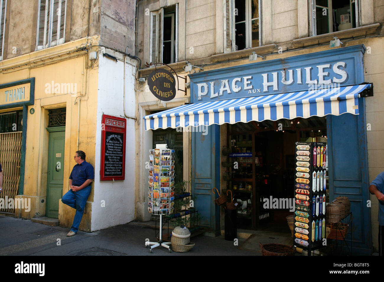 Street scene in the Vieil Aix the old quarter of Aix en Provence, Bouches du Rhone, Provence, France. - Stock Image