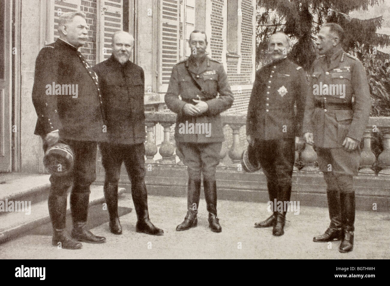 A meeting at British General Headquarters behind the Somme Front in France, 1916. SEE DESCRIPTION FOR DETAILS. - Stock Image