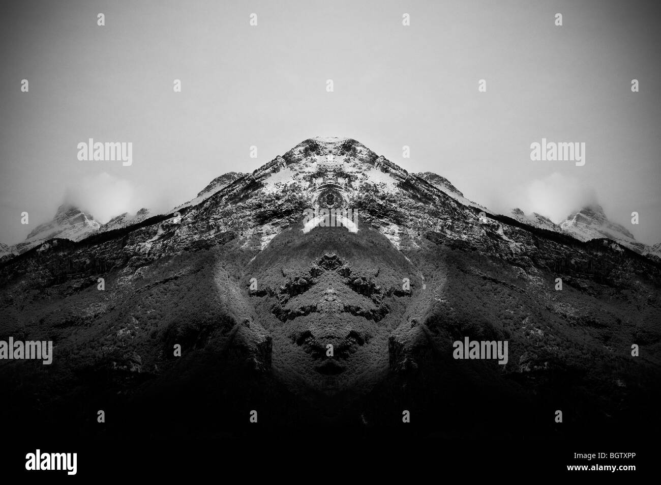 Threatening mountain - Stock Image