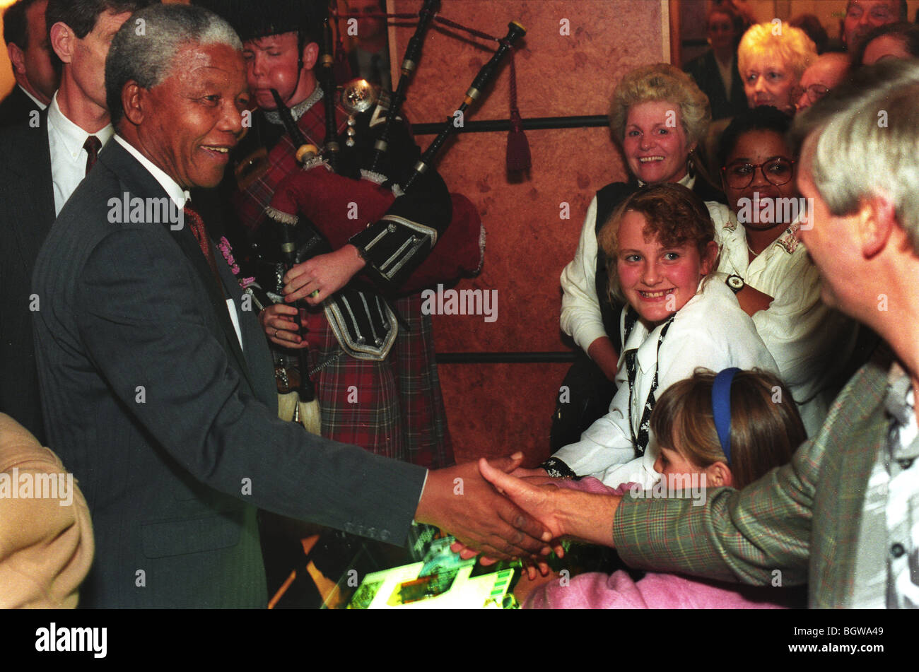 Nelson Mandela arrives at Hilton Hotel, Glasgow, Scotland, on 9th October 1993. - Stock Image