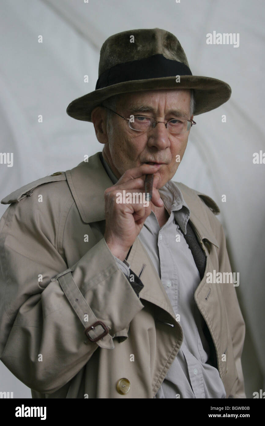 Alan Sillitoe, author of 'Saturday Night Sunday Morning', and 'The Loneliness of the Long Distance Runner', - Stock Image
