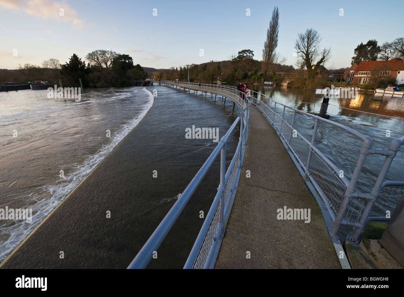 The public walkway on Hambleden Weir on the River Thames at Mill End between Marlow and Henley - Stock Image