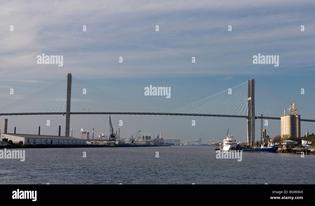 The Talmadge Memorial Bridge spans the Savannah River in Savannah, Georgia, United States of America. - Stock Image