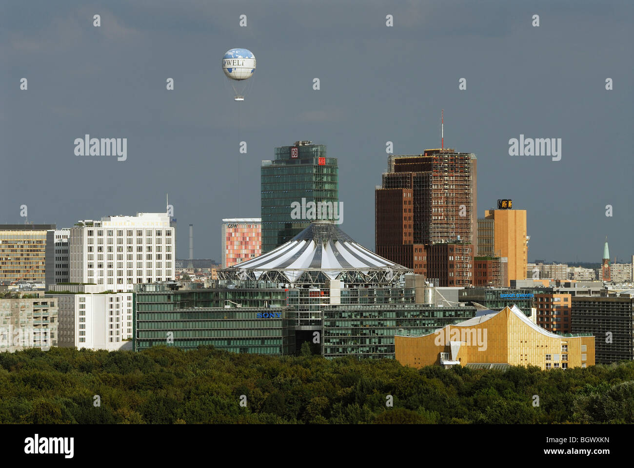 Berlin. Germany. Hi Flyer Helium Ballon flies above Potsdamer Platz. - Stock Image