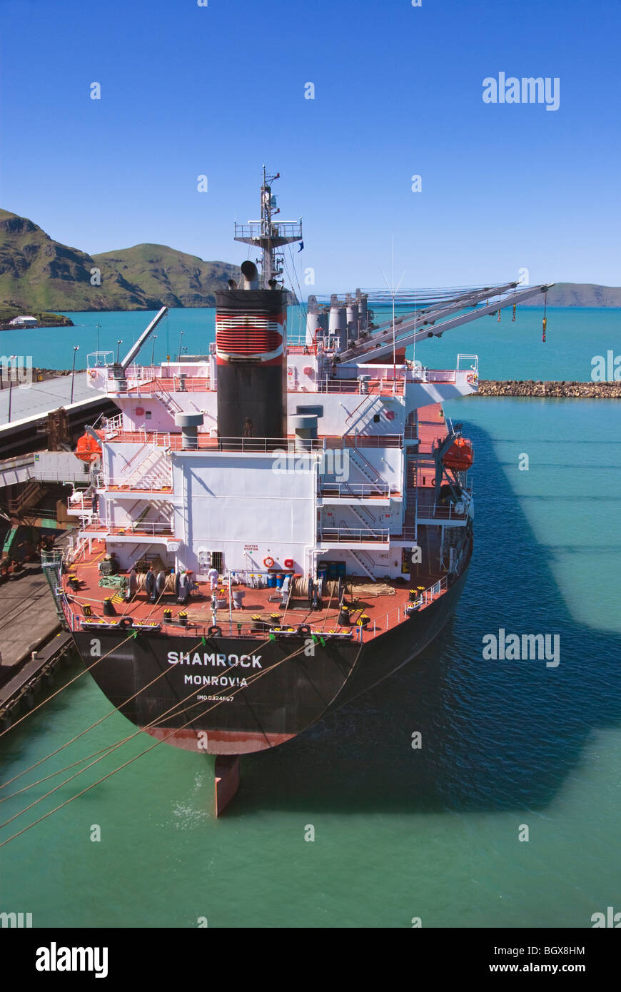 Bulk carrier moored alongside quay, Lyttelton, New Zealand - Stock Image