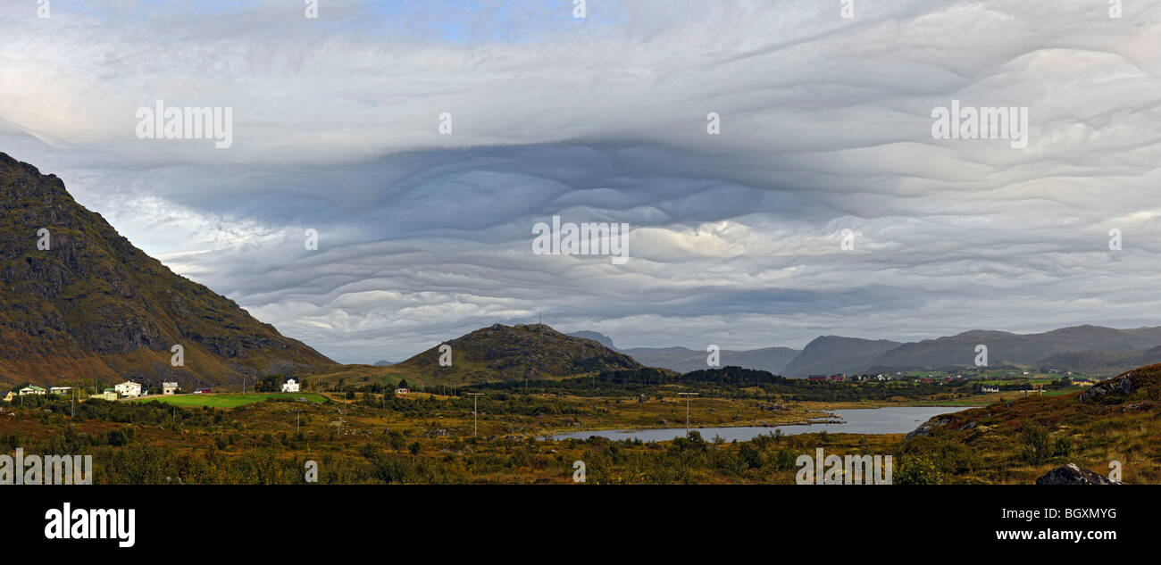 Strange, eerie clouds over Lofoten islands, North Norway - Stock Image
