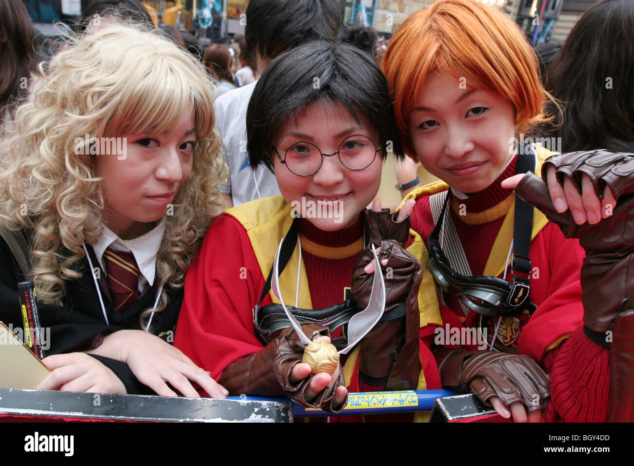 Japanese fans at the red carpet premiere of the 5th Harry Potter movie,Tokyo, Japan - Stock Image