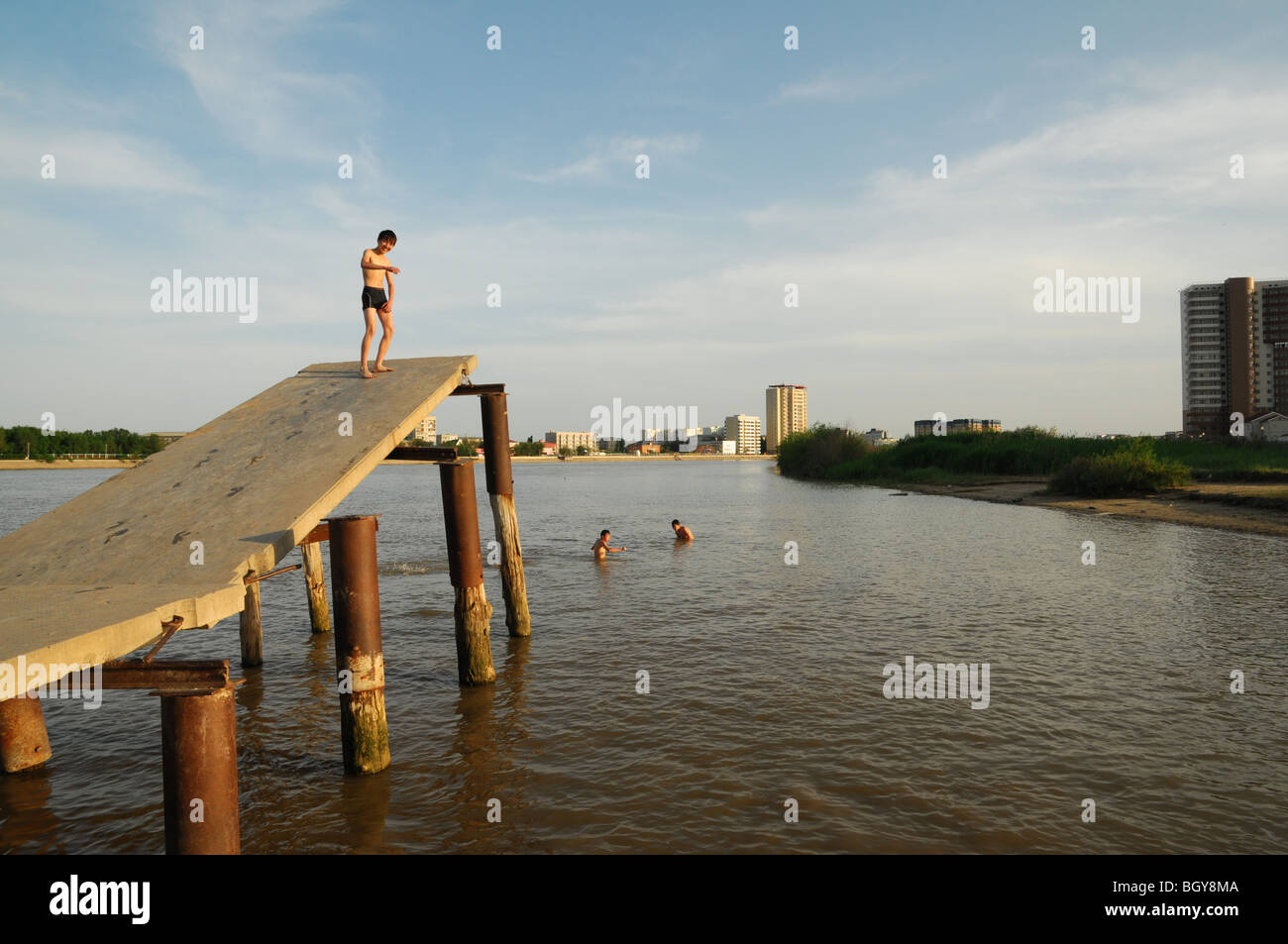 Views along the Ural River showing Atyrau City in Western Kazakhstan. In recent years it has become quite a 'green' - Stock Image