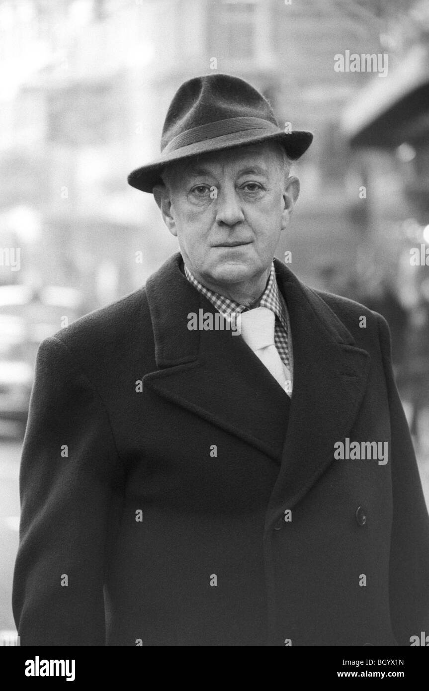 Alec Guinness portrait Sir Alex Guinness London 1977 1970s UK. HOMER SYKES Stock Photo