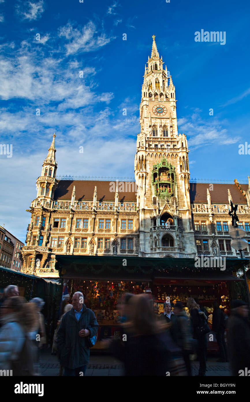 Christkindlmarkt (Christmas Markets) in the Marienplatz in the front of the Neues Rathaus (New City Hall) in the - Stock Image