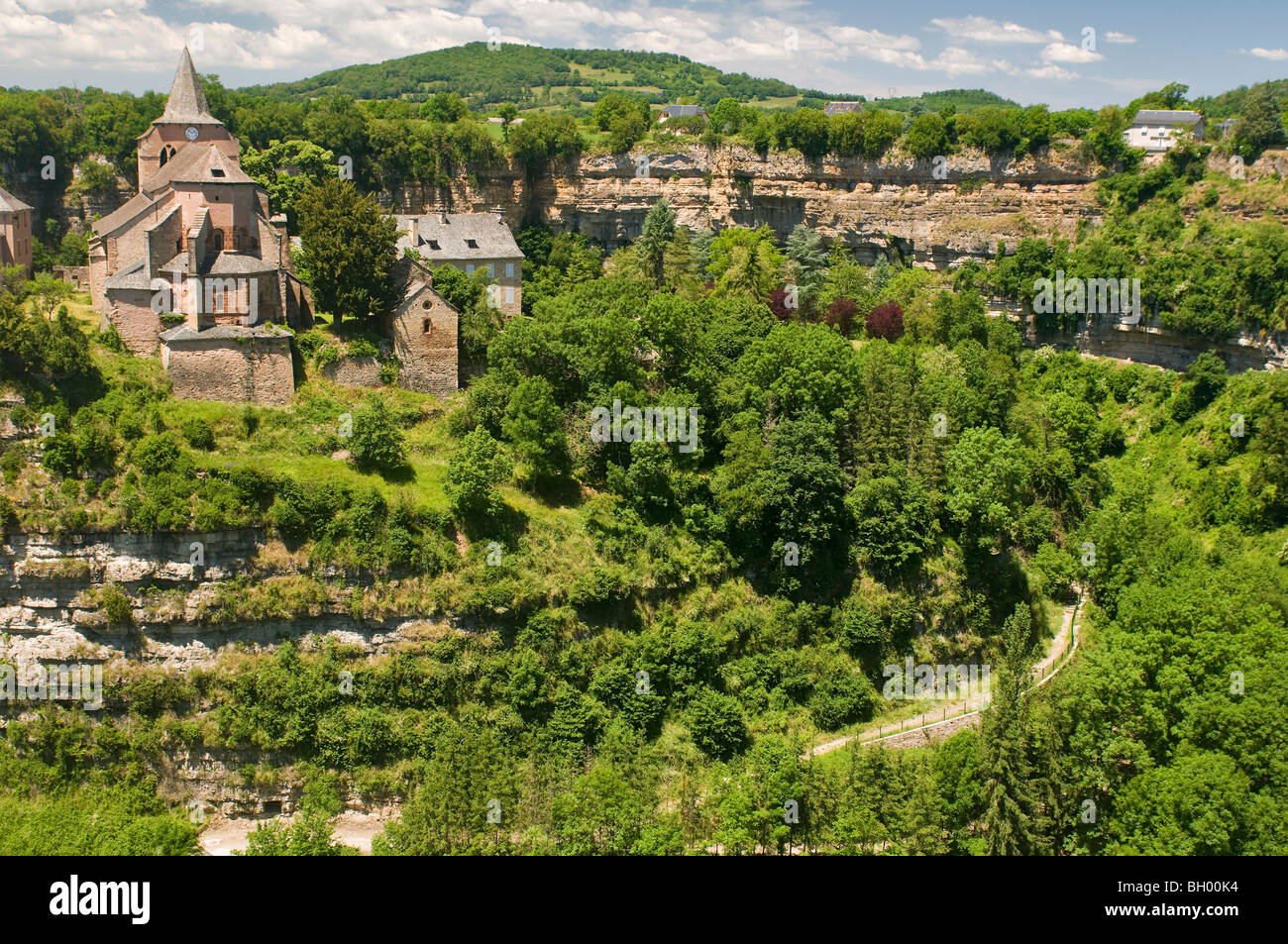 Sainte Fauste church,  looking over the Dourdou meander at Bozouls,  Aveyron, France - Stock Image