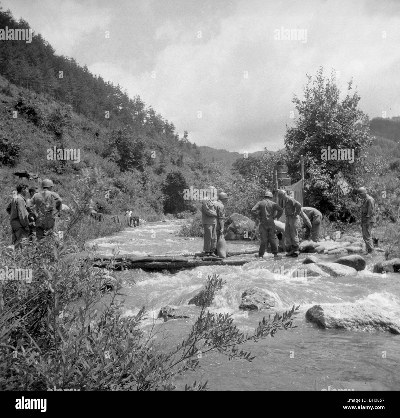account of the division of korea and the korean war The korean war began 25 june 1950, when north korean armed forces invaded  south korea the war's combat phase lasted until an armistice was signed 27.
