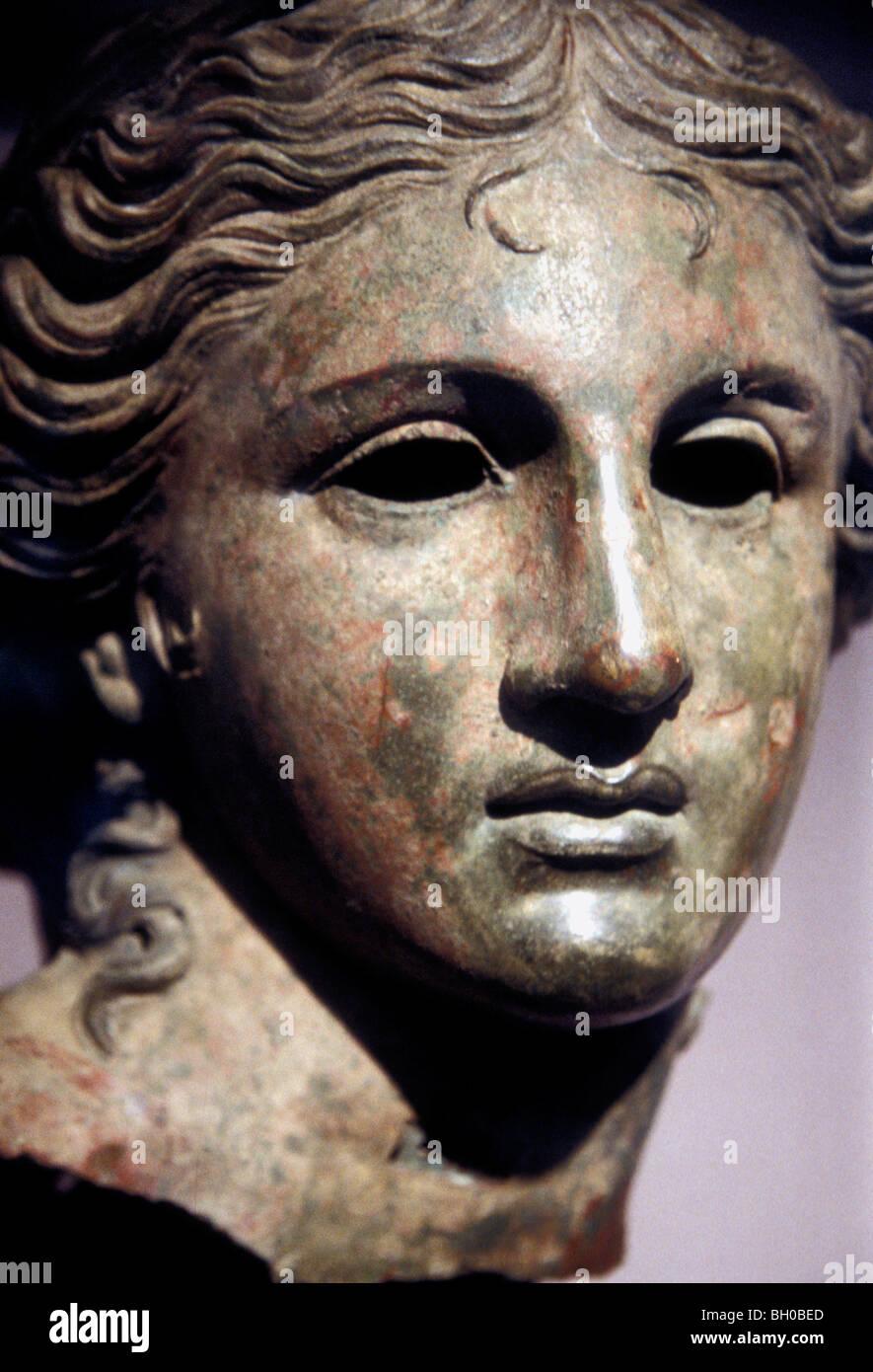 Bronze bust of Anahita, Babylonian goddess associated with productivity - Stock Image