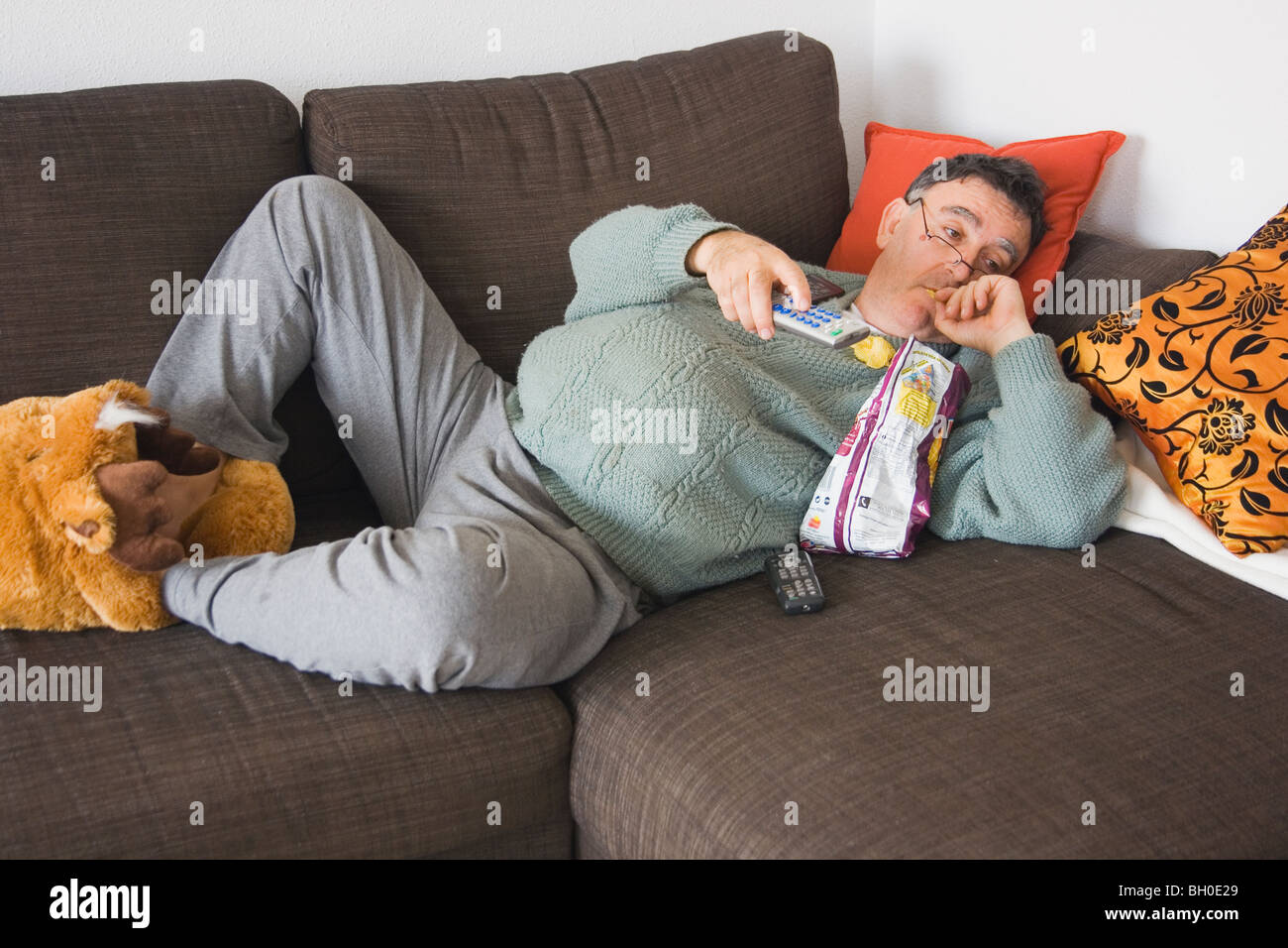 [Image: couch-potato-BH0E29.jpg]