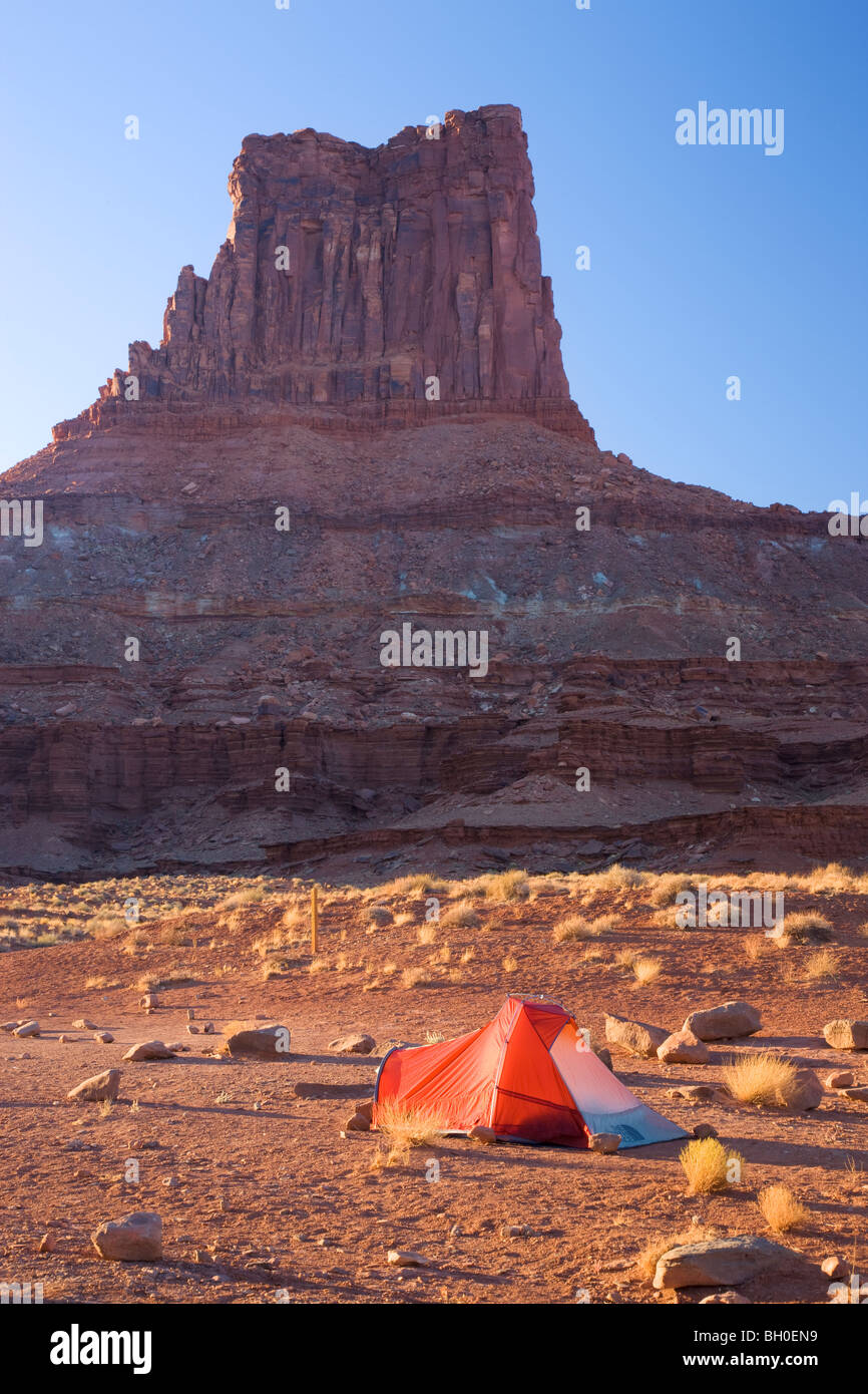 Camping along the White Rim Trail , Island in the Sky District, Canyonlands National Park, near Moab, Utah. - Stock Image