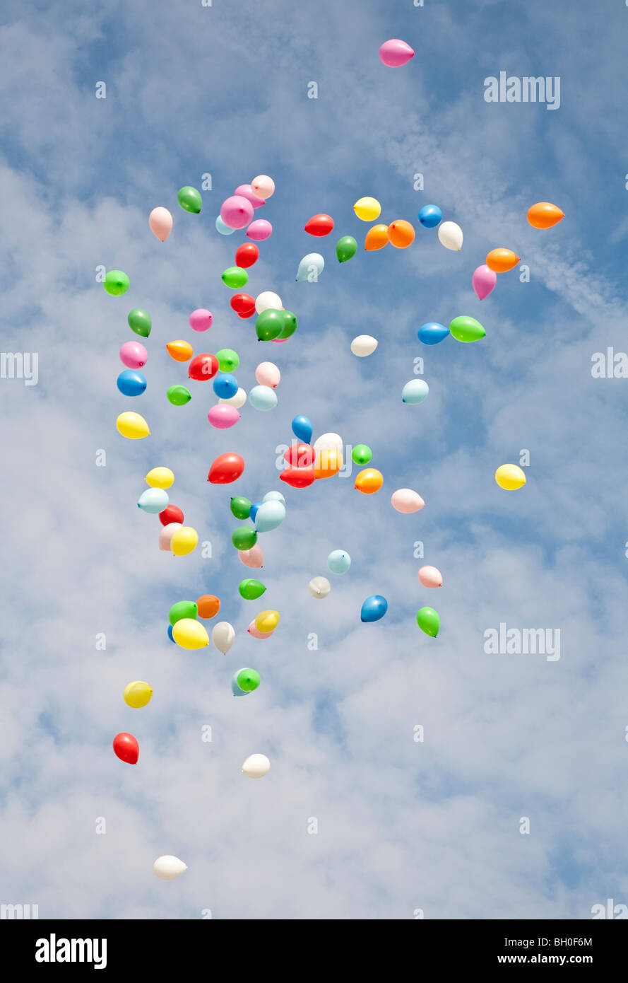 Helium balloons released to celebrate 100 years of the Scouting movement - Stock Image