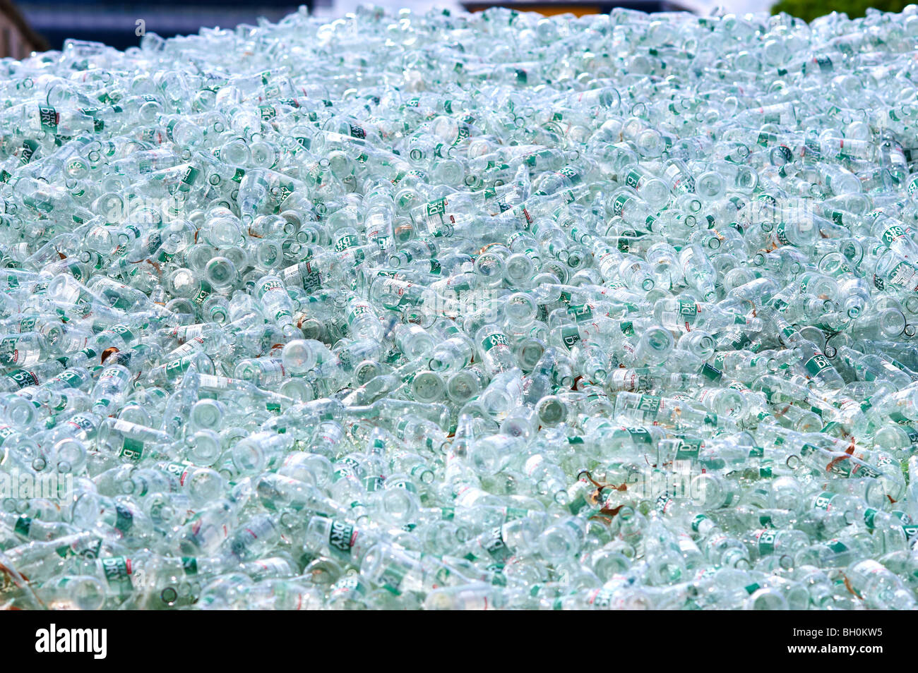 Glass recycling plant - Stock Image